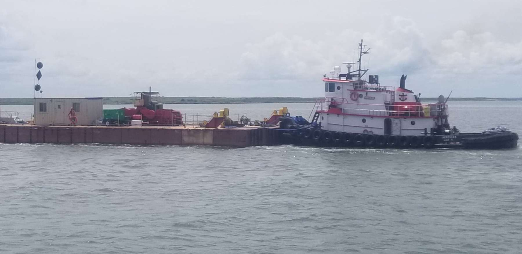 Hercules with barge in Norfolk-Manson-august-2019